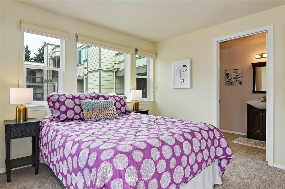 Sold Property | 2152 N 112th Street #302 Seattle, WA 98133 14