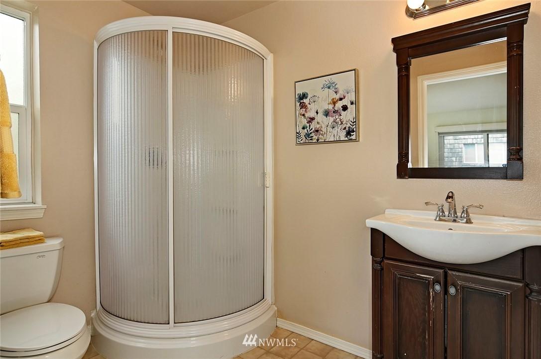 Sold Property | 2152 N 112th Street #302 Seattle, WA 98133 15