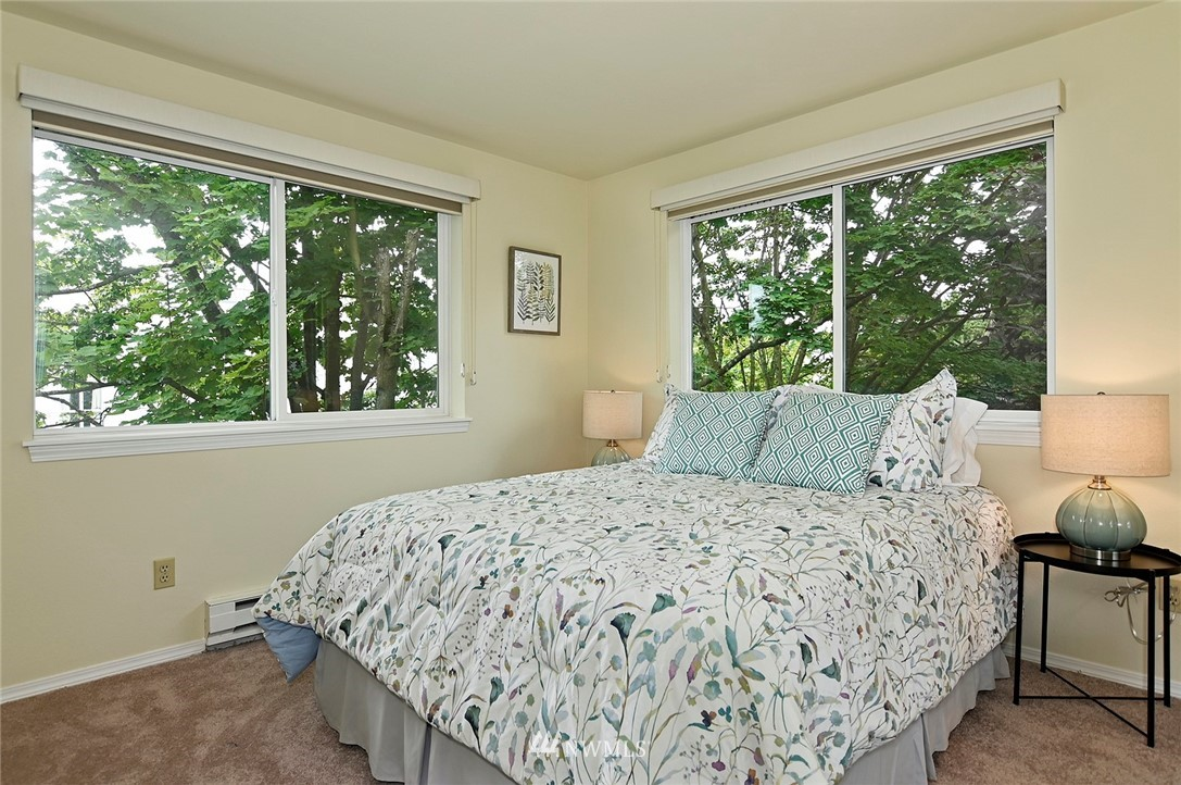 Sold Property | 2152 N 112th Street #302 Seattle, WA 98133 16