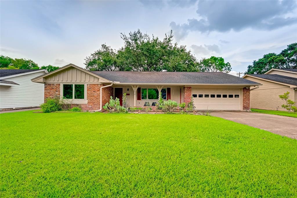 Active | 5015 Lymbar Drive Houston, Texas 77096 2