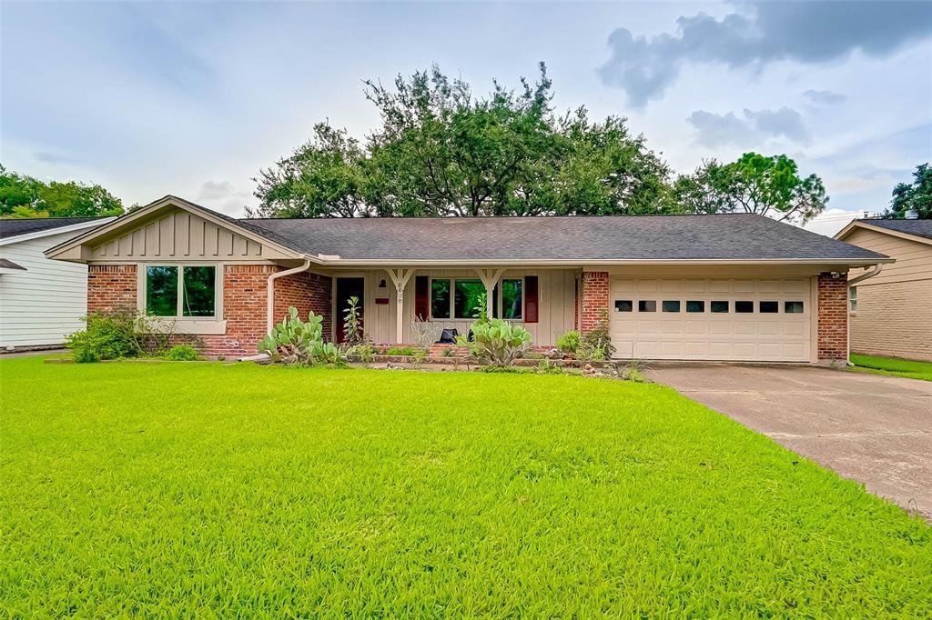 Active | 5015 Lymbar Drive Houston, Texas 77096 3