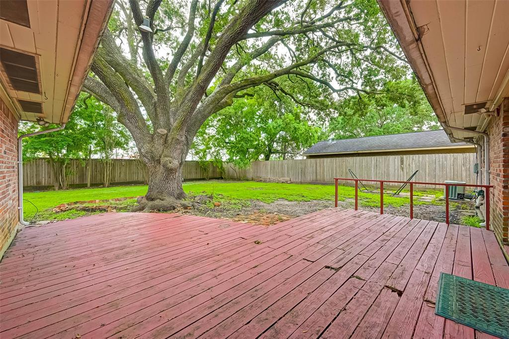 Active | 5015 Lymbar Drive Houston, Texas 77096 37