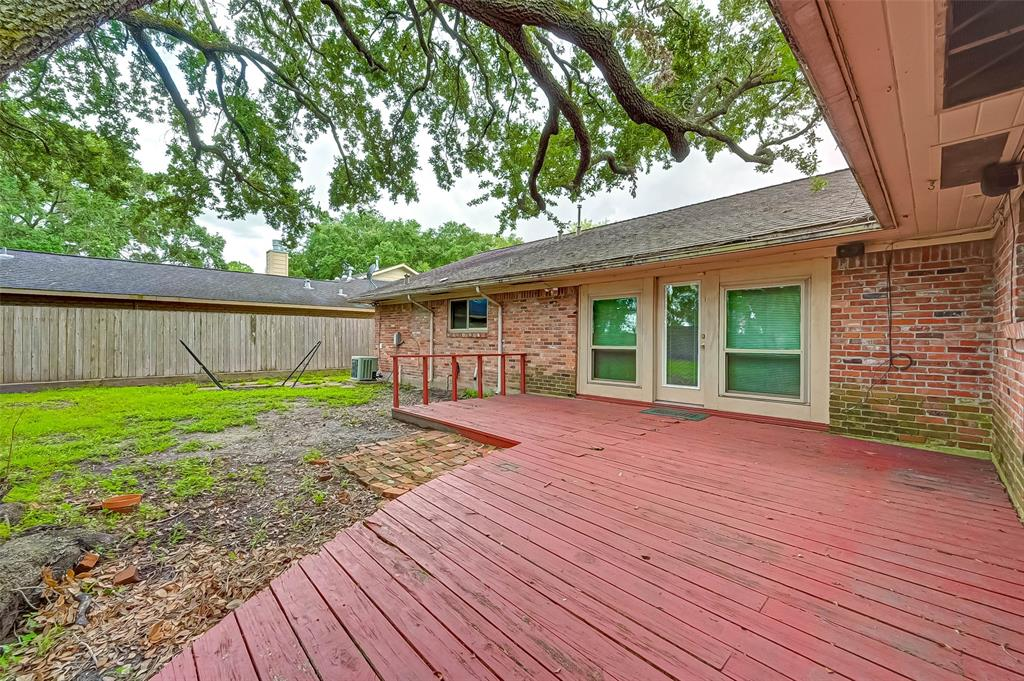 Active | 5015 Lymbar Drive Houston, Texas 77096 38