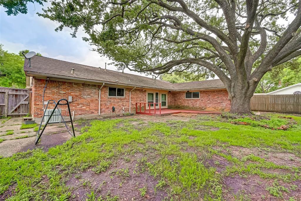 Active | 5015 Lymbar Drive Houston, Texas 77096 40