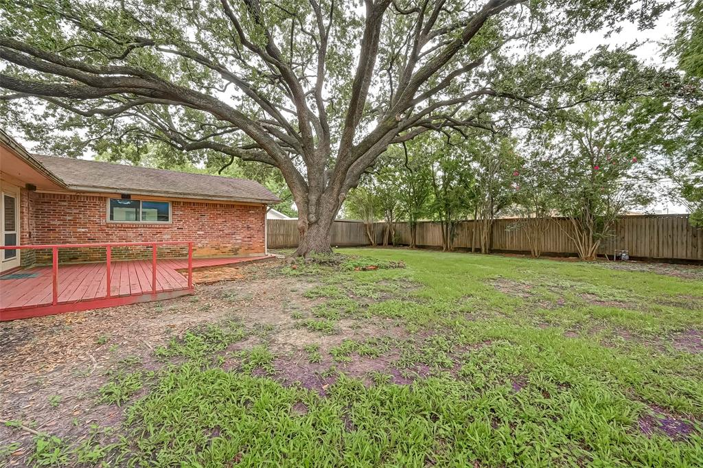 Active | 5015 Lymbar Drive Houston, Texas 77096 41