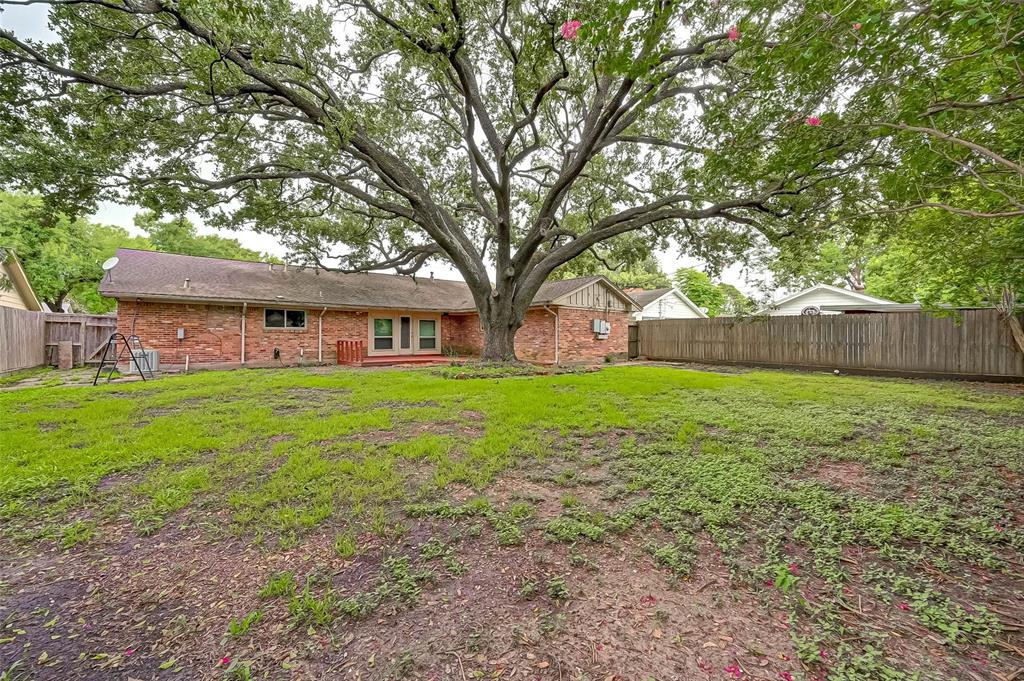 Active | 5015 Lymbar Drive Houston, Texas 77096 42