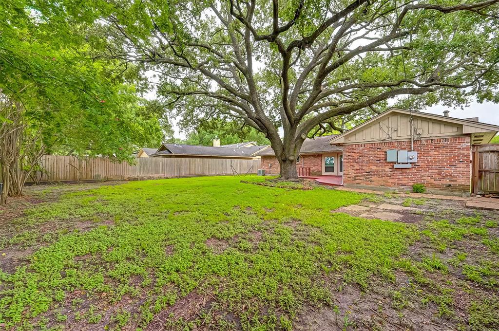 Active | 5015 Lymbar Drive Houston, Texas 77096 43