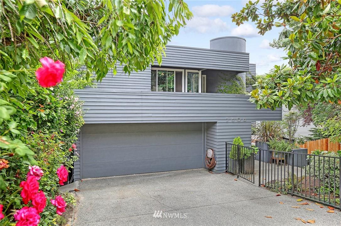 Pending | 3608 33rd Avenue SW Seattle, WA 98126 1