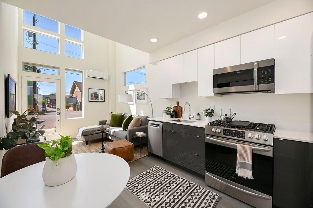 Sold Property   6700 Carleton Avenue S #C Seattle, WA 98108 7