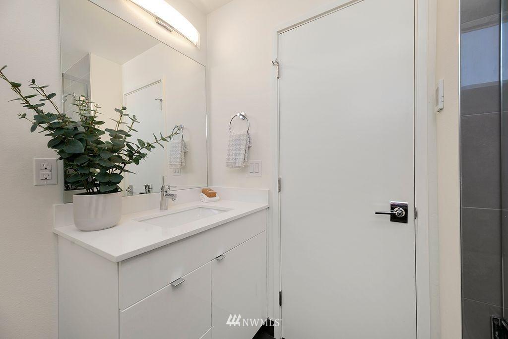 Sold Property   6700 Carleton Avenue S #C Seattle, WA 98108 12