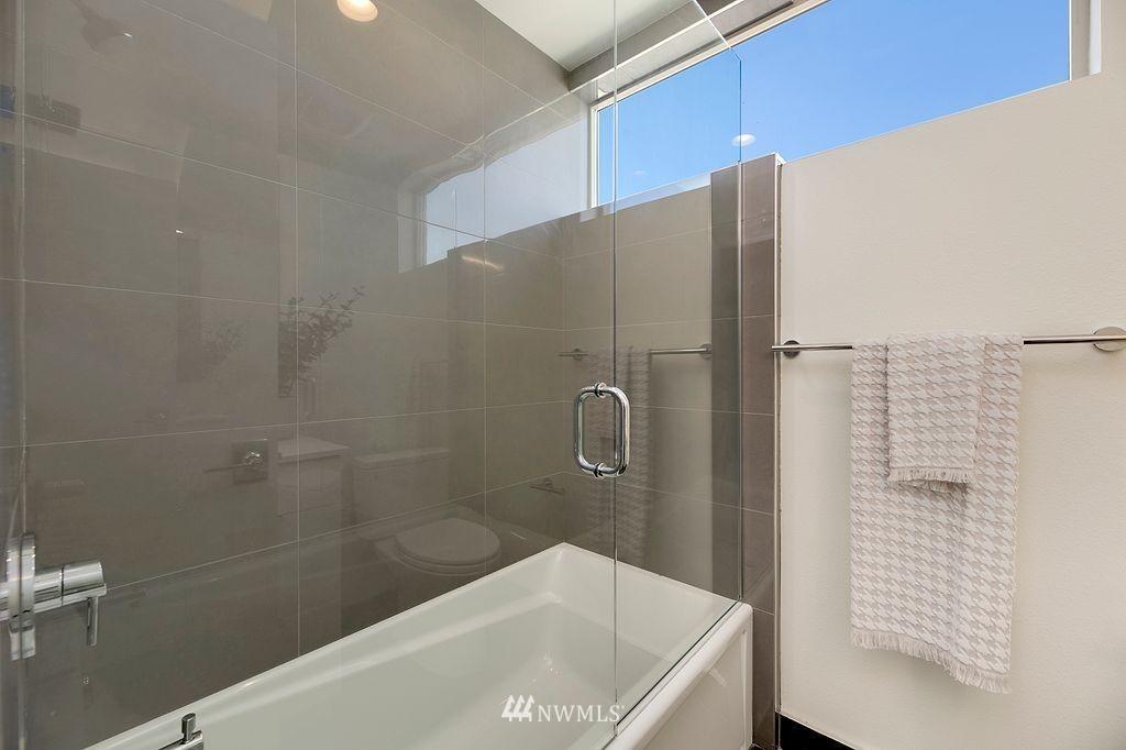 Sold Property   6700 Carleton Avenue S #C Seattle, WA 98108 16
