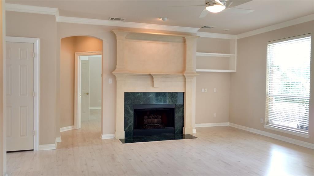 Sold Property | 420 Royal Colonnade Arlington, Texas 76011 9
