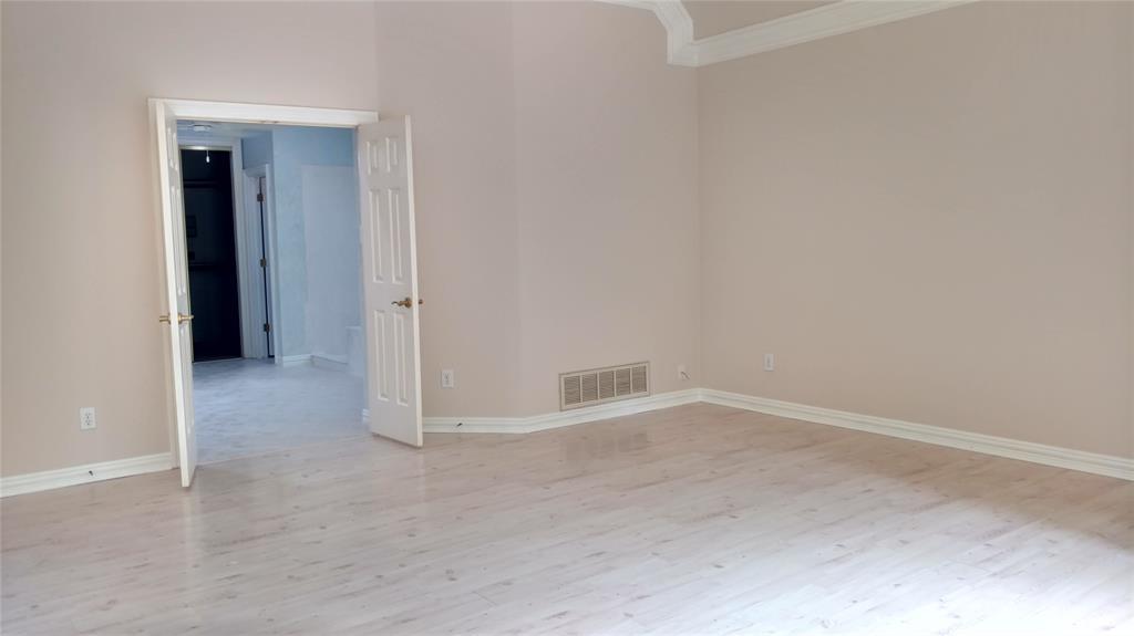 Sold Property | 420 Royal Colonnade Arlington, Texas 76011 11
