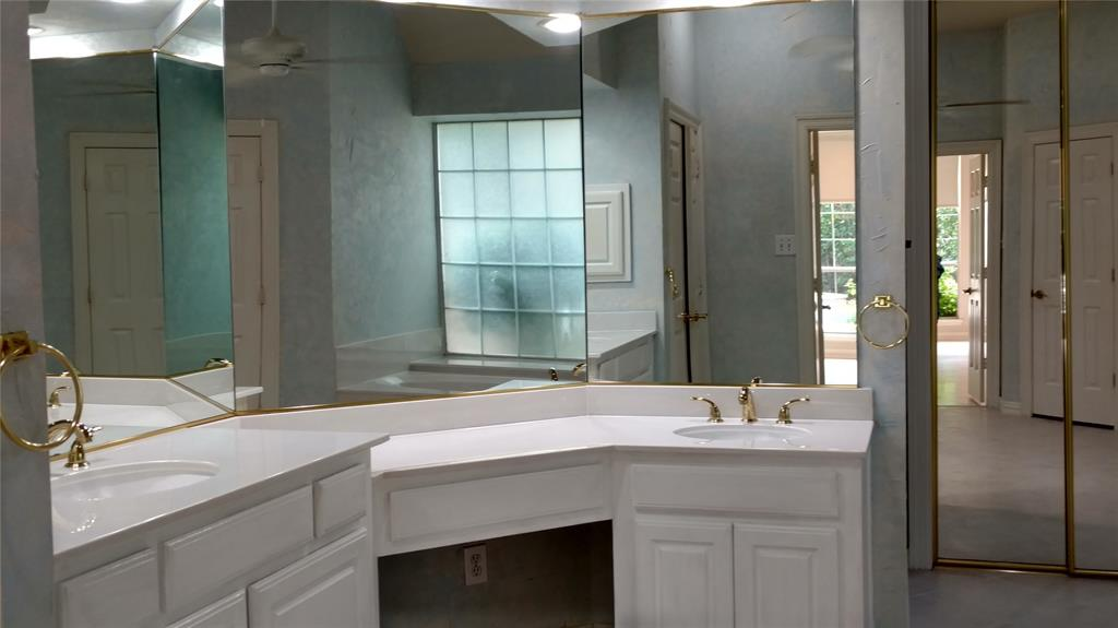 Sold Property | 420 Royal Colonnade Arlington, Texas 76011 14