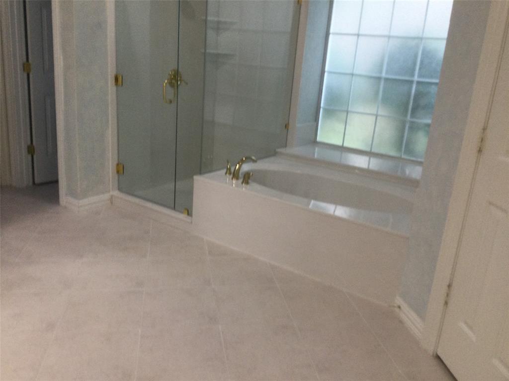 Sold Property | 420 Royal Colonnade Arlington, Texas 76011 18