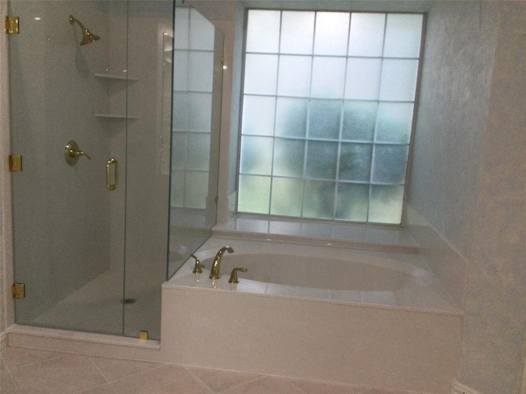 Sold Property | 420 Royal Colonnade Arlington, Texas 76011 20