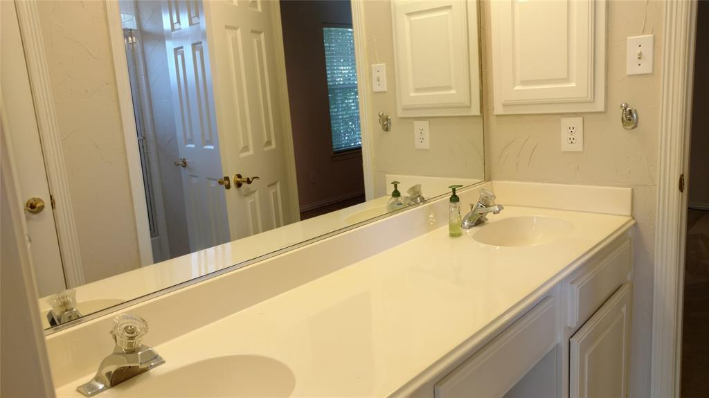 Sold Property | 420 Royal Colonnade Arlington, Texas 76011 27