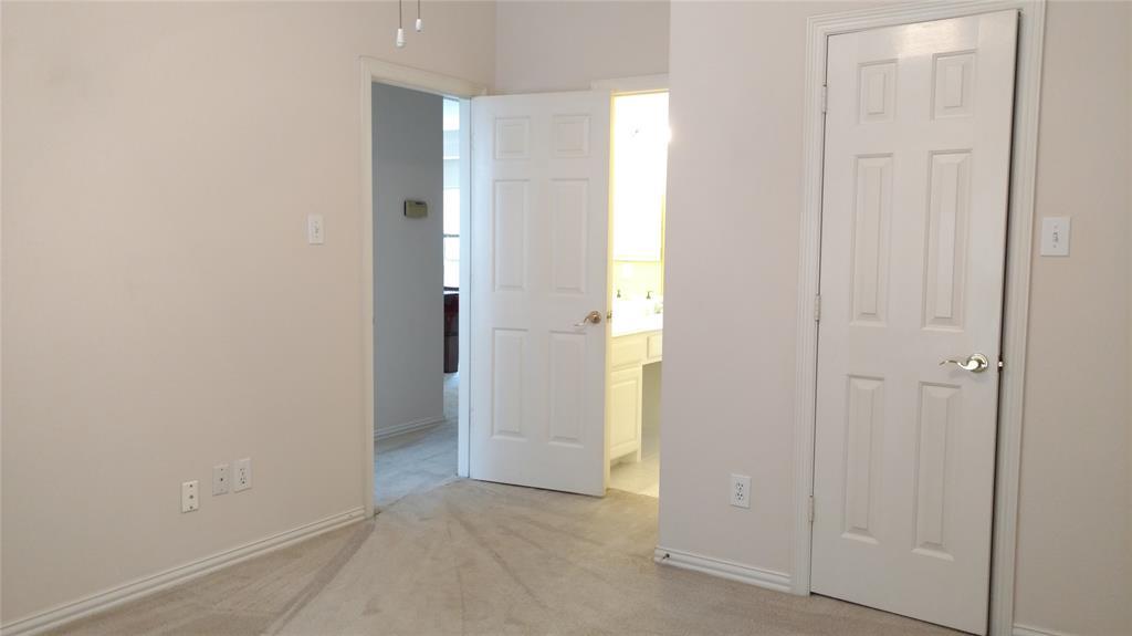 Sold Property | 420 Royal Colonnade Arlington, Texas 76011 37