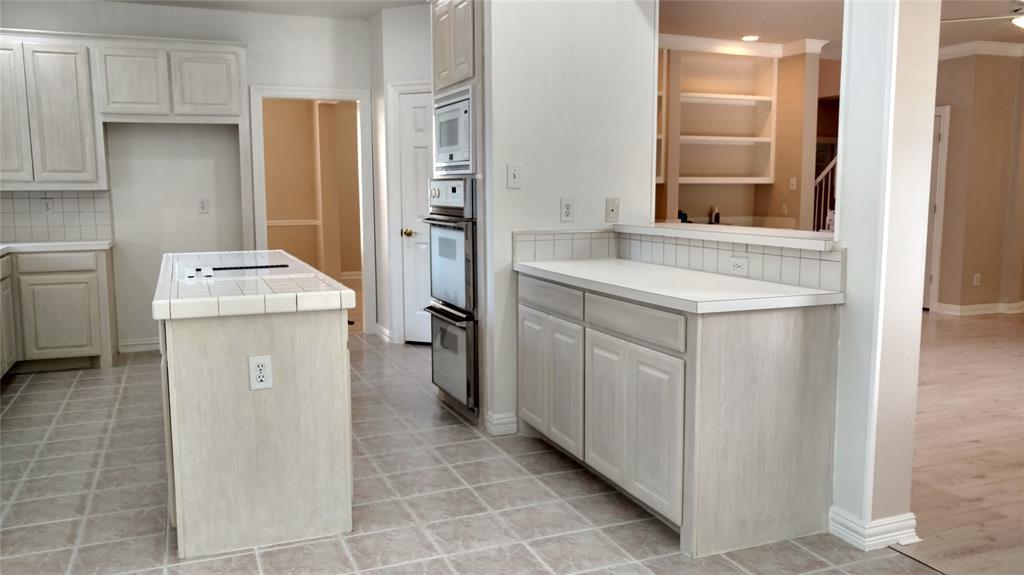 Sold Property | 420 Royal Colonnade Arlington, Texas 76011 7