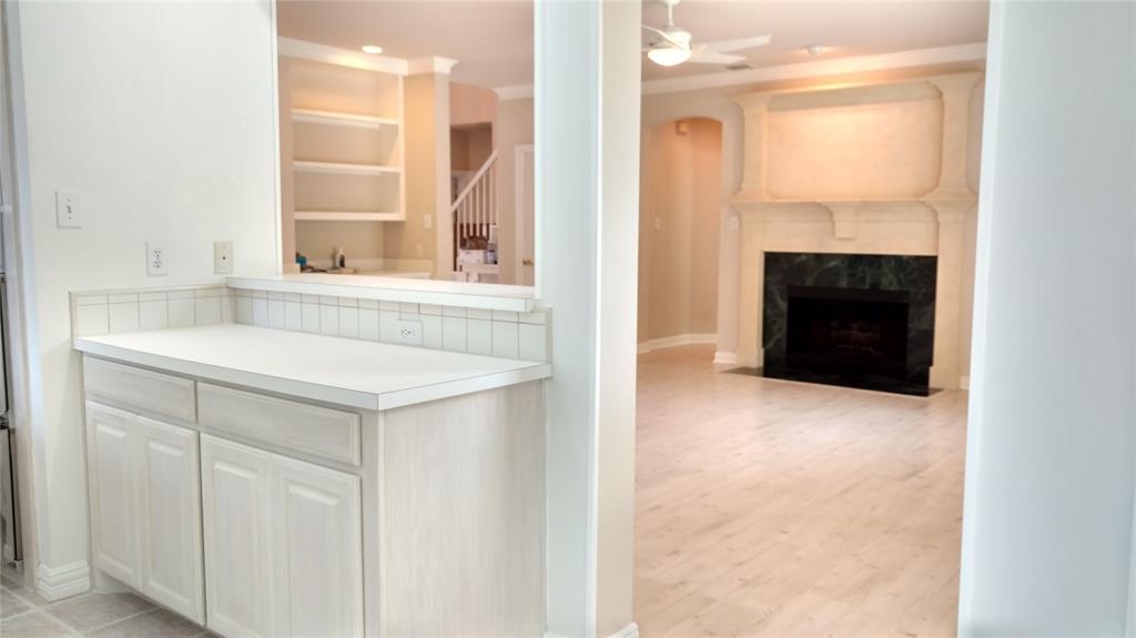 Sold Property | 420 Royal Colonnade Arlington, Texas 76011 8