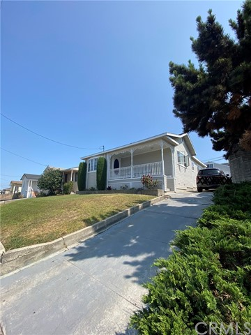 Closed   4678 W 140th Street Hawthorne, CA 90250 21