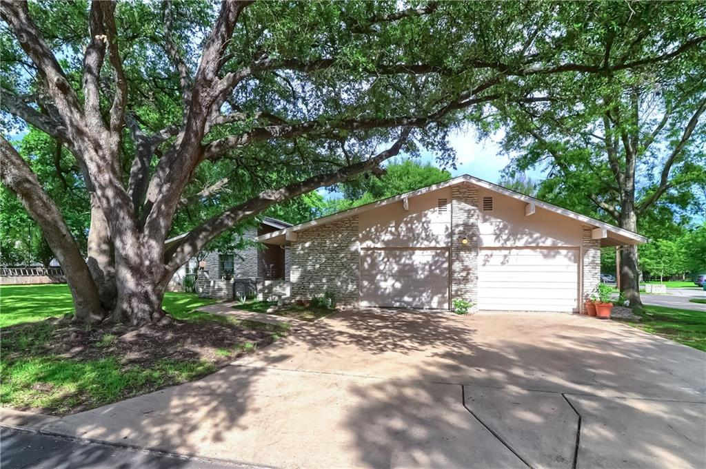 Closed   12001 Cactus Bend Austin, TX 78727 2