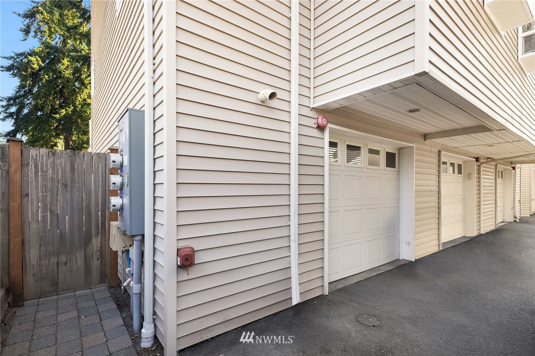 Sold Property | 1309 N 145th (Off street, back unit) Street #C Seattle, WA 98133 21