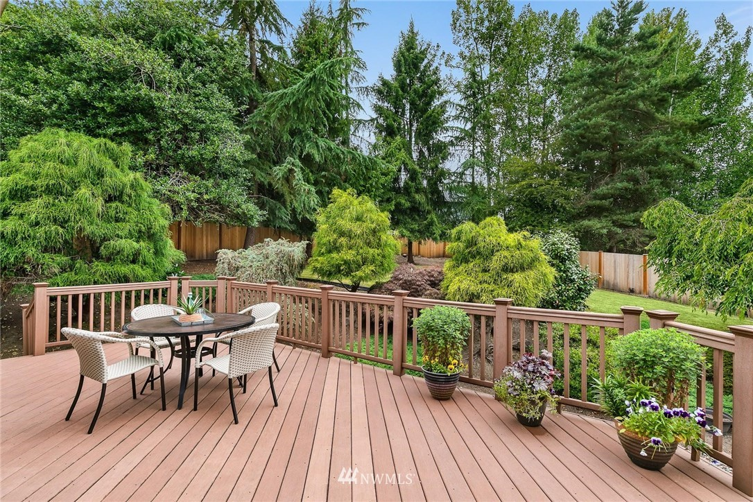Sold Property | 2763 215th Place SW Brier, WA 98036 25