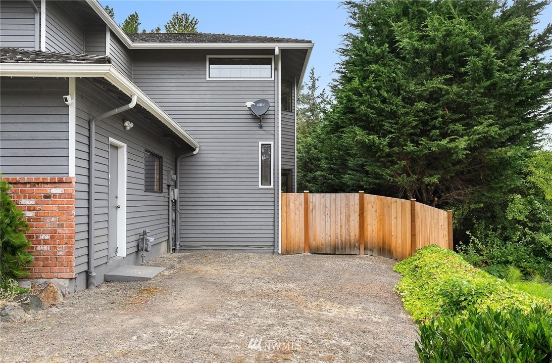Sold Property | 2763 215th Place SW Brier, WA 98036 34