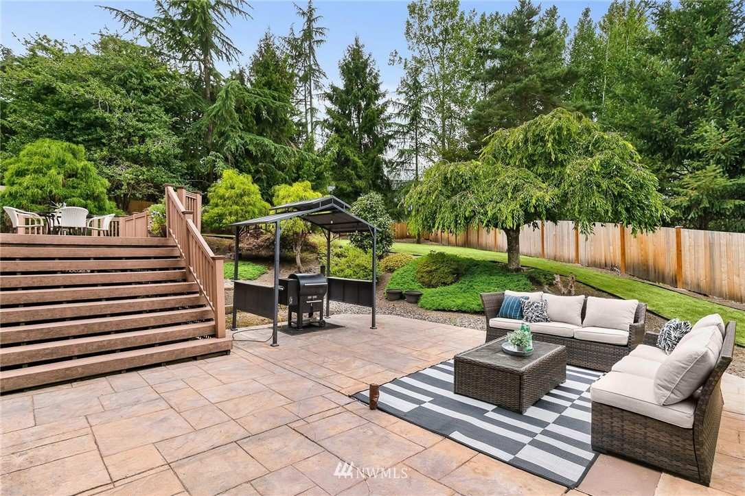 Sold Property | 2763 215th Place SW Brier, WA 98036 27