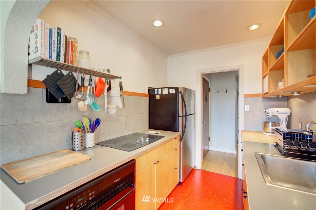 Active | 1623 Taylor Ave. North #301 Seattle, WA 98109 10