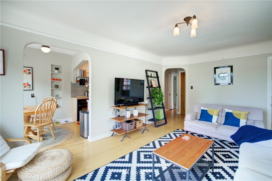 Active | 1623 Taylor Ave. North #301 Seattle, WA 98109 18