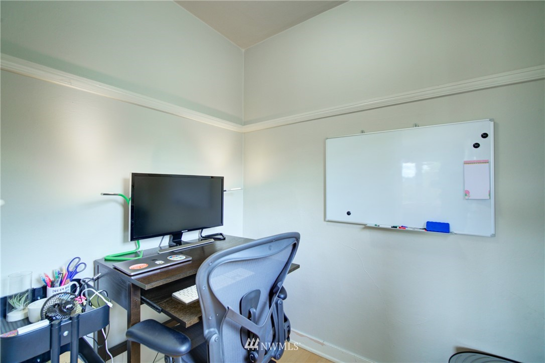 Active | 1623 Taylor Ave. North #301 Seattle, WA 98109 21