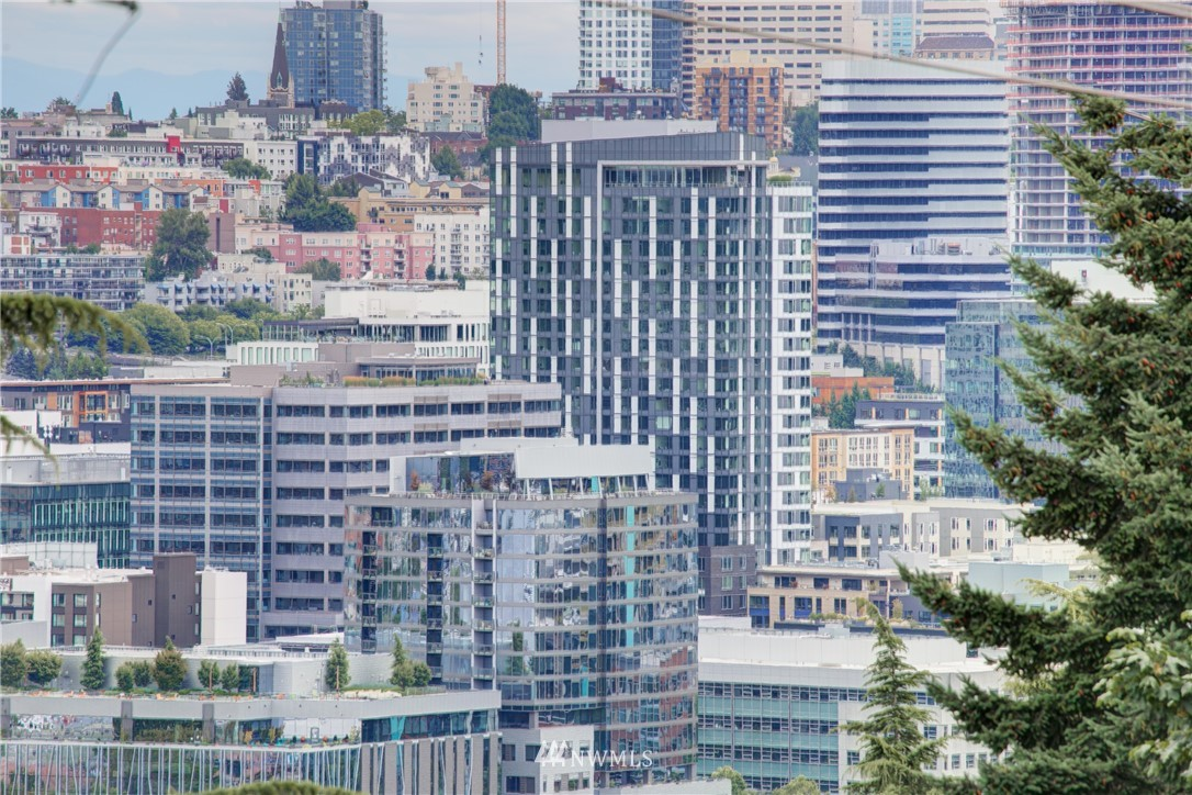 Active | 1623 Taylor Ave. North #301 Seattle, WA 98109 3
