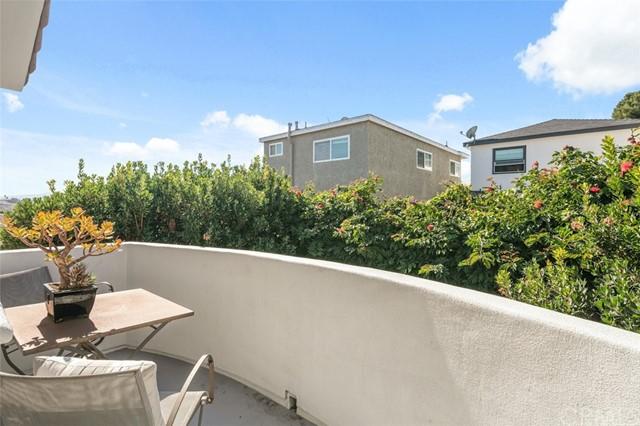 Active Under Contract   1127 Stanford Avenue Redondo Beach, CA 90278 15
