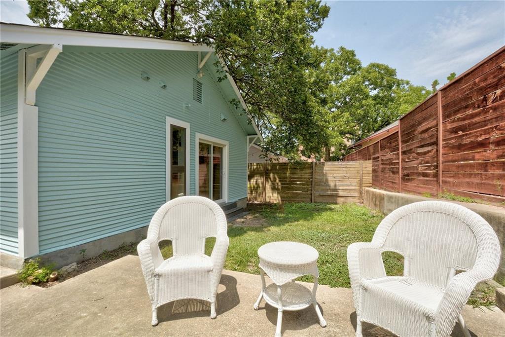 Active | 1202 E 8th Street Austin, TX 78702 26