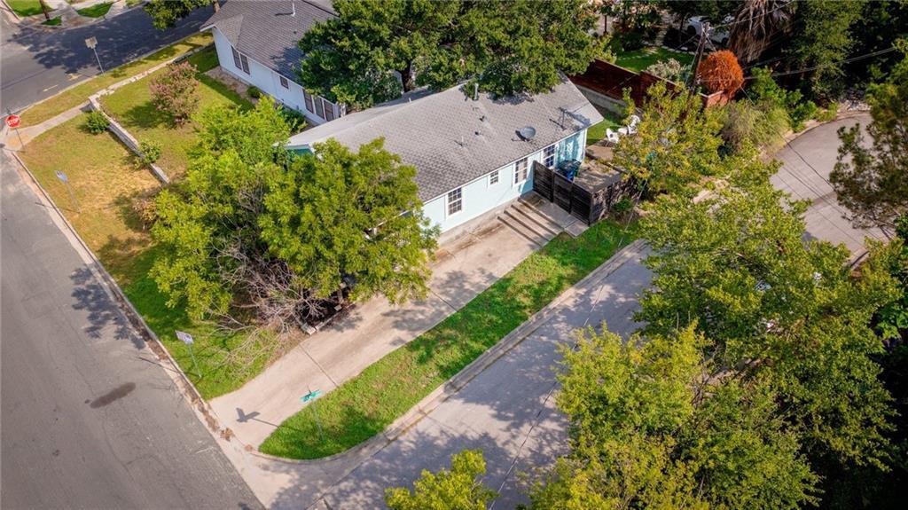 Active | 1202 E 8th Street Austin, TX 78702 28