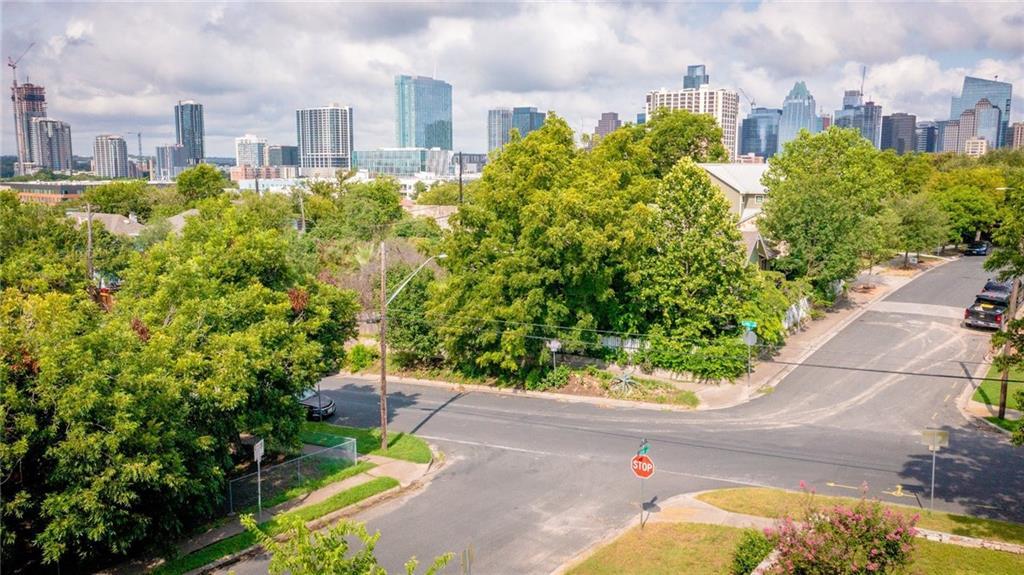 Active | 1202 E 8th Street Austin, TX 78702 30