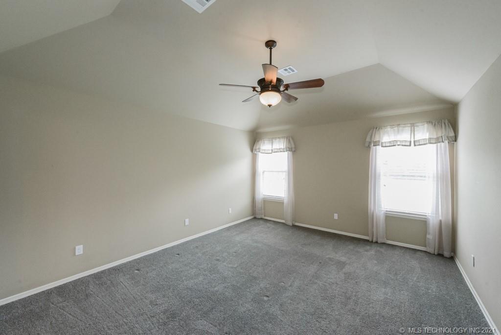 Active | 8429 N 77th East Avenue Owasso, Oklahoma 74055 12