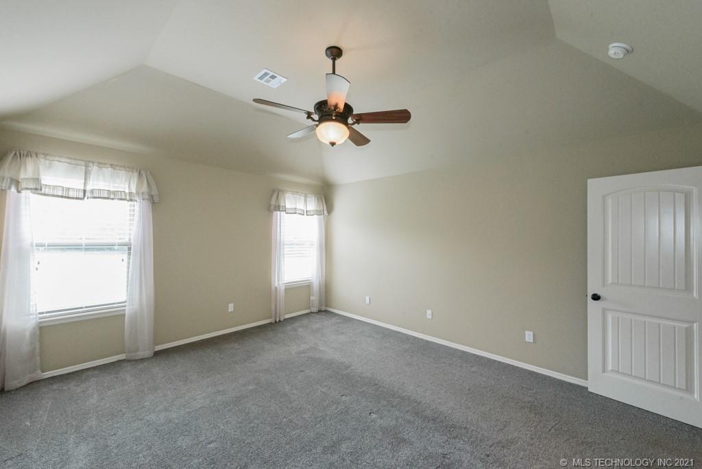 Active | 8429 N 77th East Avenue Owasso, Oklahoma 74055 15