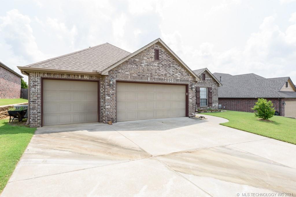 Active | 8429 N 77th East Avenue Owasso, Oklahoma 74055 1