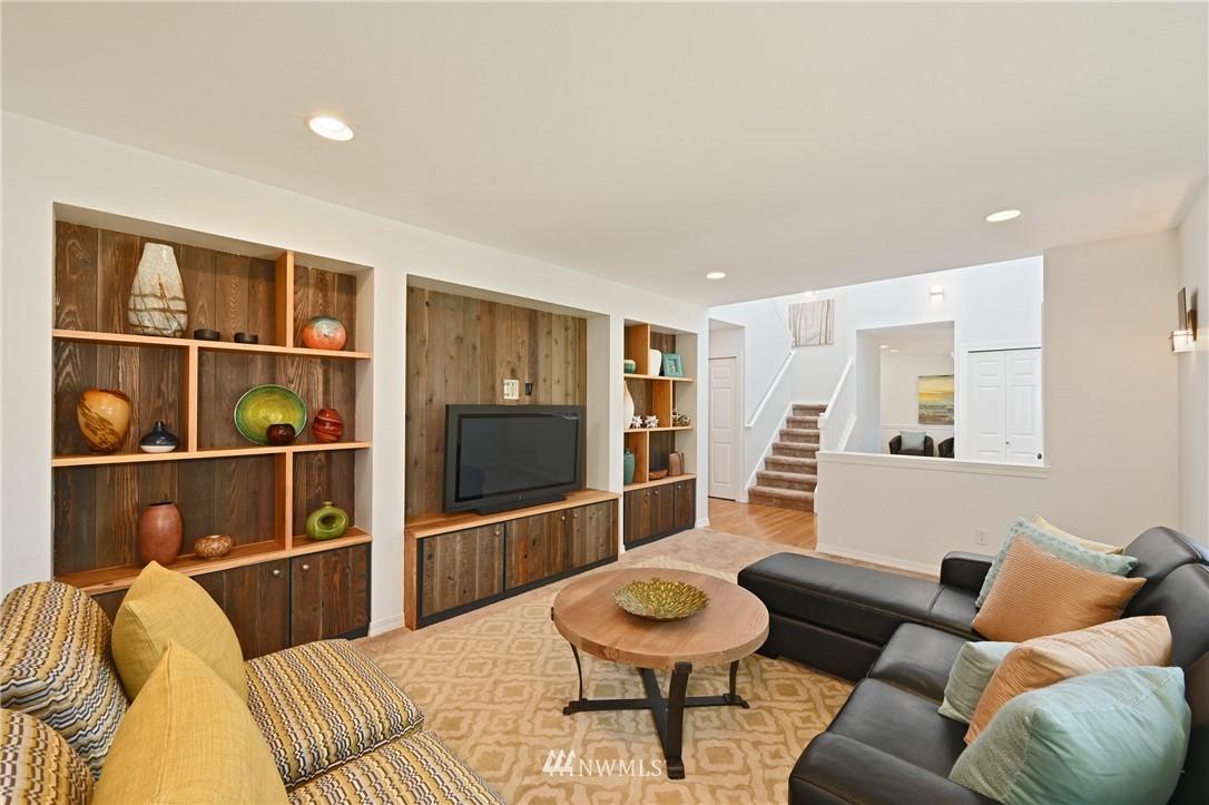 Sold Property   7722 16th Avenue NE Seattle, WA 98115 12
