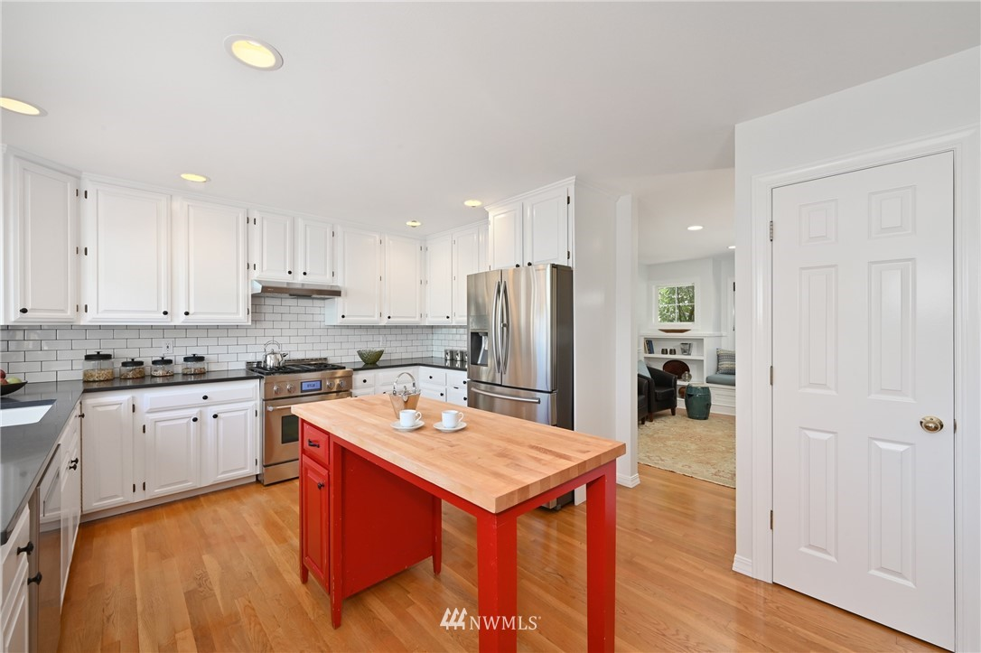 Sold Property   7722 16th Avenue NE Seattle, WA 98115 20