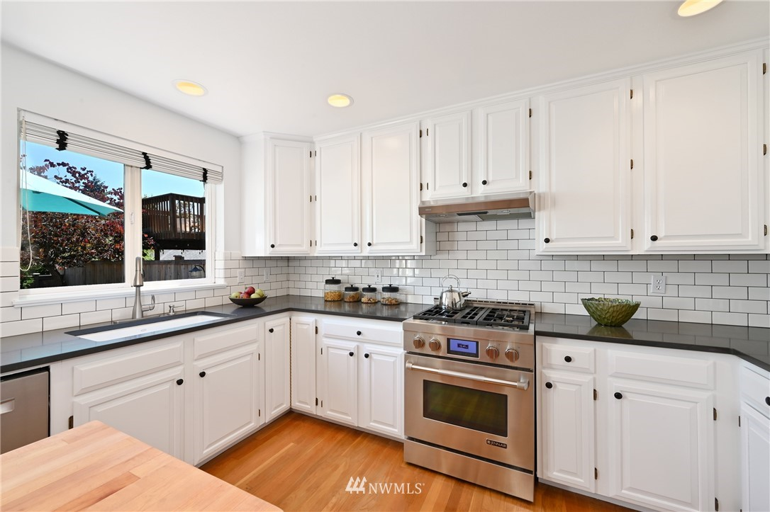 Sold Property   7722 16th Avenue NE Seattle, WA 98115 21