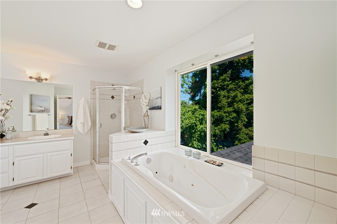 Sold Property   7722 16th Avenue NE Seattle, WA 98115 23