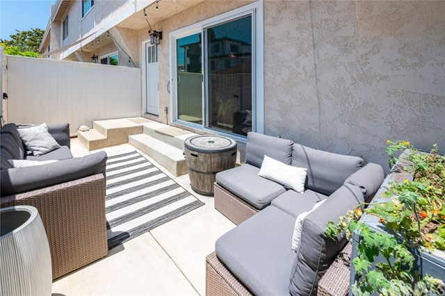 Active Under Contract | 108 S Irena Avenue #F Redondo Beach, CA 90277 31