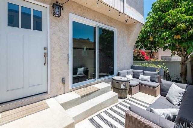 Active Under Contract | 108 S Irena Avenue #F Redondo Beach, CA 90277 1