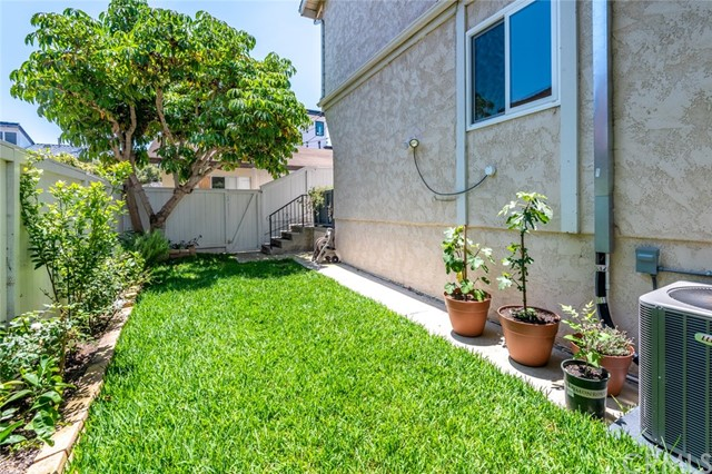 Active Under Contract | 108 S Irena Avenue #F Redondo Beach, CA 90277 35