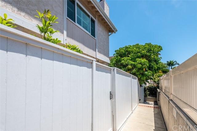 Active Under Contract | 108 S Irena Avenue #F Redondo Beach, CA 90277 39