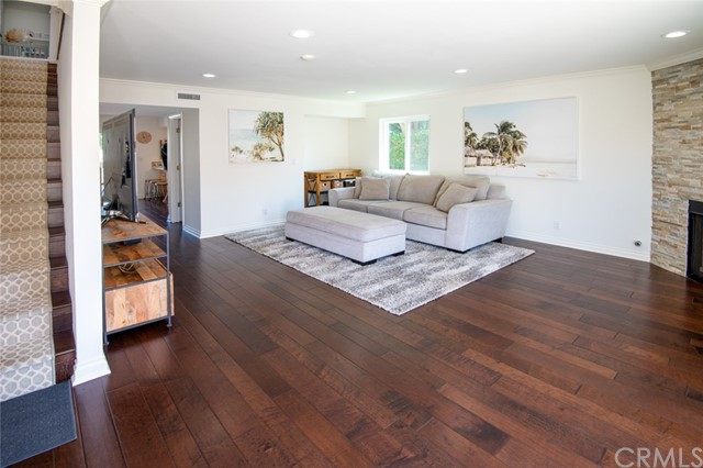 Active Under Contract | 108 S Irena Avenue #F Redondo Beach, CA 90277 3